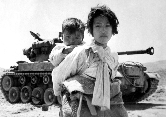 WAR & CONFLICT BOOK ERA: KOREAN WAR/CIVILIANS & REFUGEES